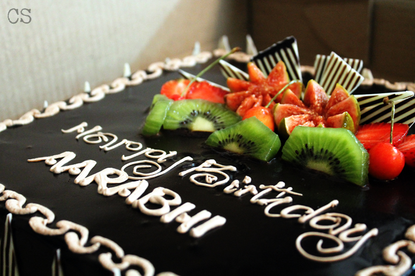 Yet another first birthday cake for Aarabhi. This one was for one of her numerous birthday parties in India. It was a chocolate mousse cake with fresh fruits. Yum!